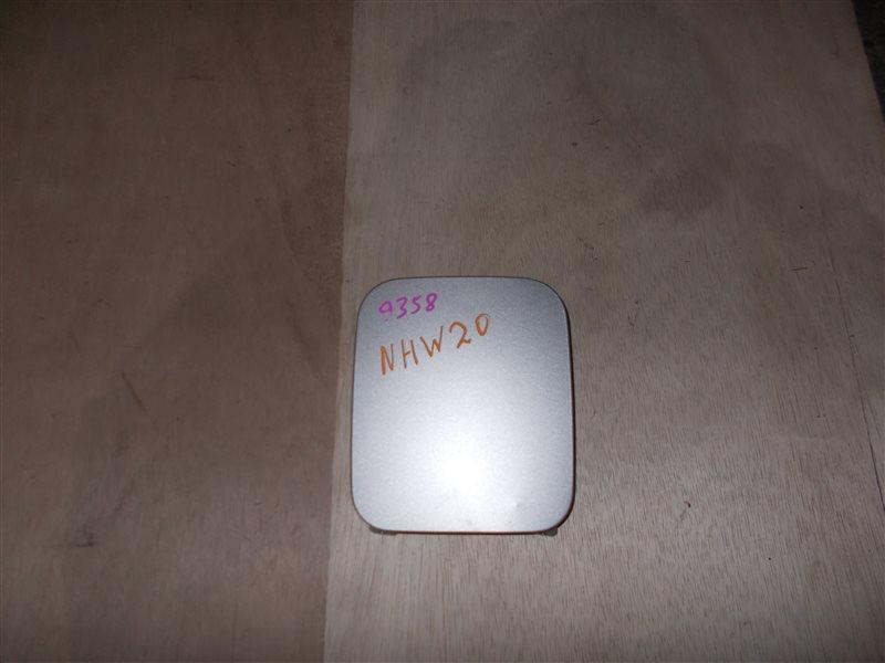 Лючок бензобака Toyota Prius NHW20 1NZ-FXE 2005 (б/у)