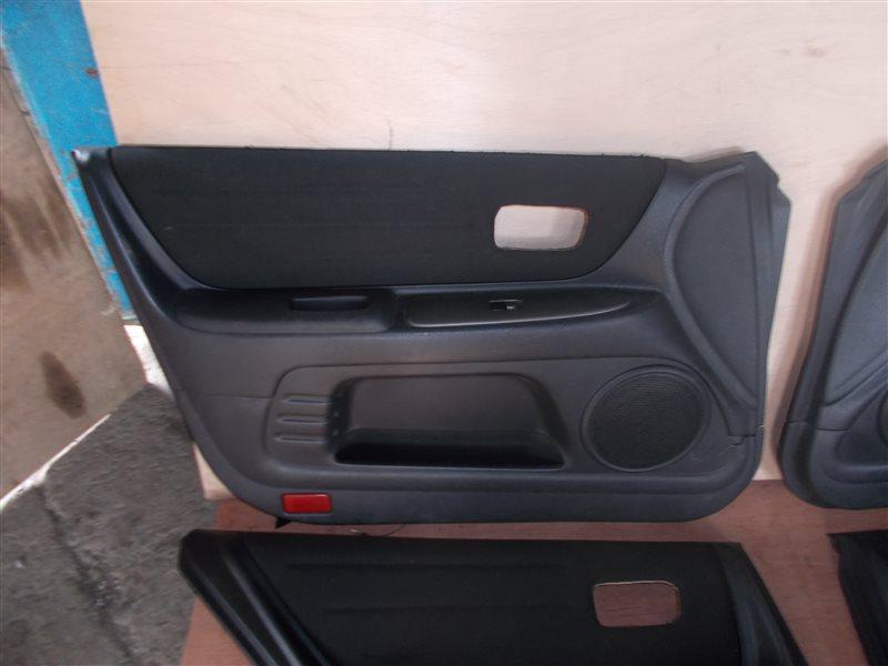 Обшивка дверей Toyota Altezza SXE10 3S-GE 2001 (б/у)