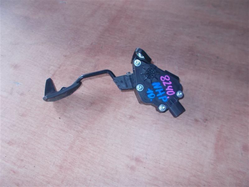Педаль газа Toyota Aqua NHP10 1NZ-FXE 2012 (б/у)