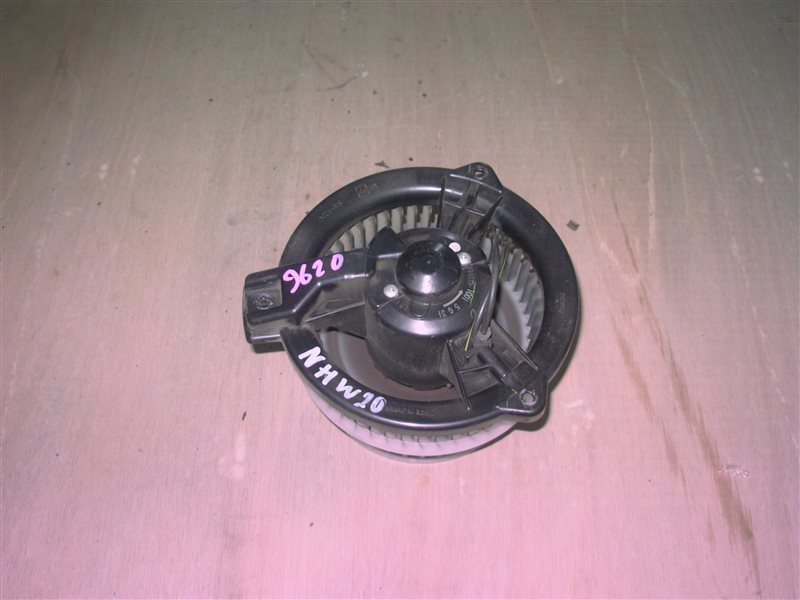 Мотор печки Toyota Prius NHW20 1NZ-FXE 2005 (б/у)