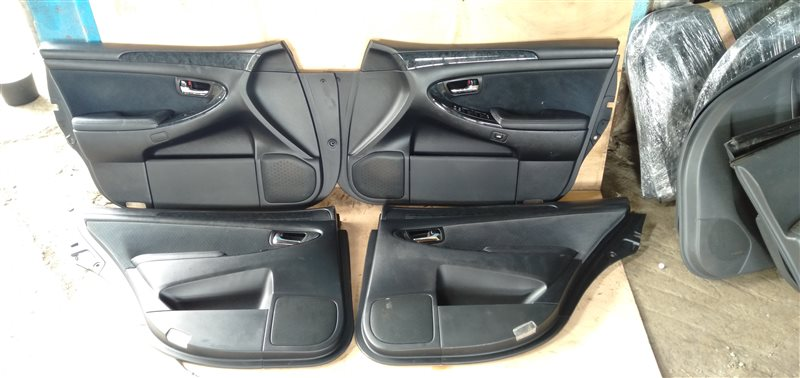 Обшивка дверей Toyota Crown Athlete GRS184 2GR-FSE 2005 (б/у)