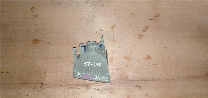 Туманка Toyota Aqua NHP10 1NZ-FXE 2012 правая (б/у)