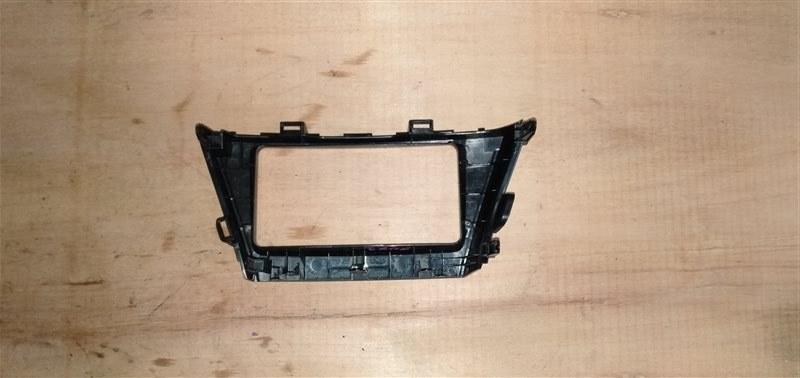 Консоль магнитофона Toyota Prius Alpha ZVW41 2ZR-FXE 2012 (б/у)
