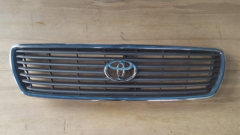 Решетка радиатора Toyota Celsior UCF31 (б/у)