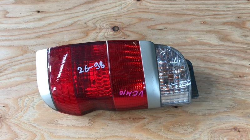 Фонарь задний Toyota Granvia VCH10 правый (б/у)