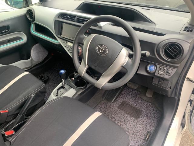 Коврики комплект Toyota Aqua NHP10 1NZ-FXE 2012 (б/у)