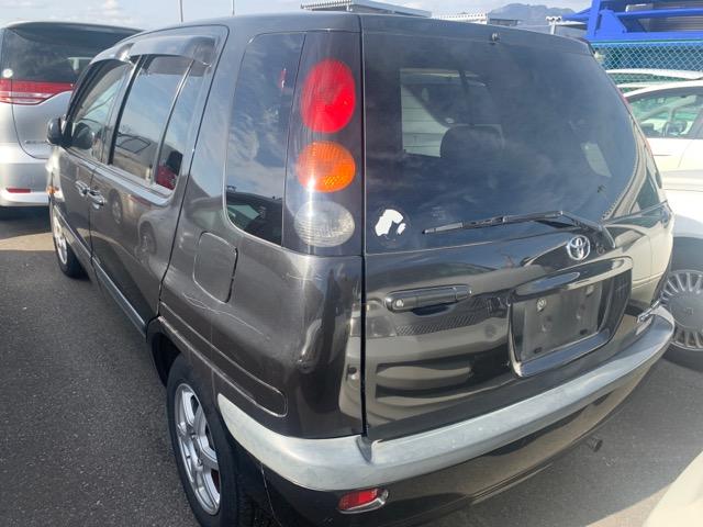 Фонарь задний Toyota Raum EXZ10 5E-FE 1998 правый (б/у)
