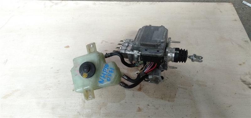 Главный тормозной цилиндр Toyota Aqua NHP10 1NZ-FXE 2012 (б/у)