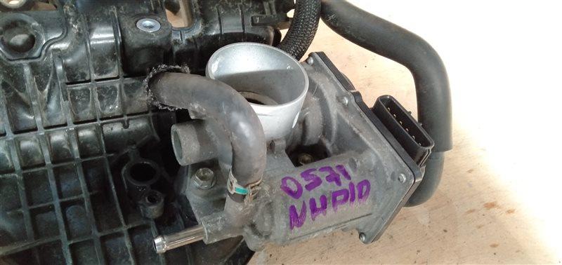 Дросельная заслонка Toyota Aqua NHP10 1NZ-FXE 2012 (б/у)