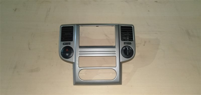 Консоль магнитофона Nissan X-Trail NT30 QR20 2003 (б/у)