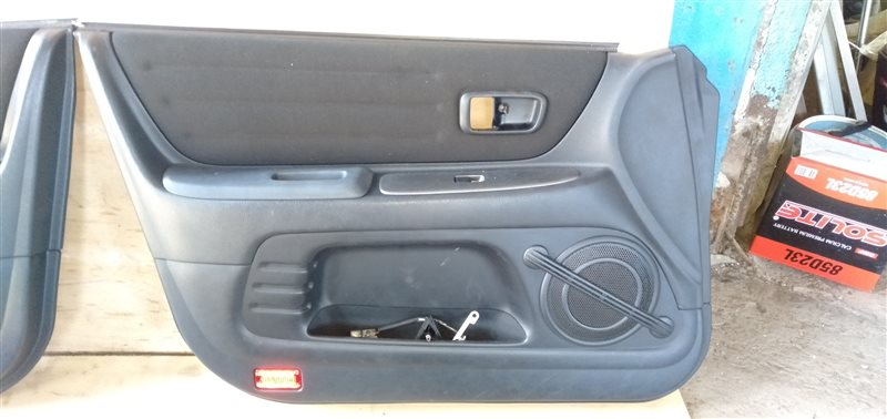 Обшивка дверей Toyota Altezza GXE10 1G-FE BEAMS 1999 (б/у)