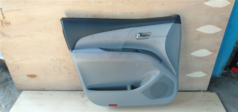 Обшивка дверей Toyota Estima ACR50 2AZ-FE 2006 передняя левая (б/у)