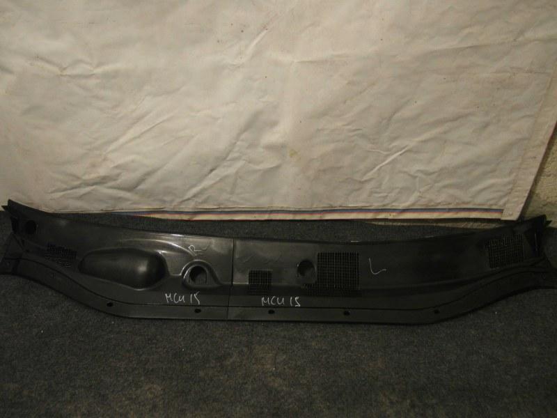 Планка под дворники Toyota Harrier MCU15 1MZ 1998
