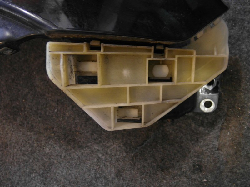 Крепление крыла и бампера Honda Crv RD7 переднее правое