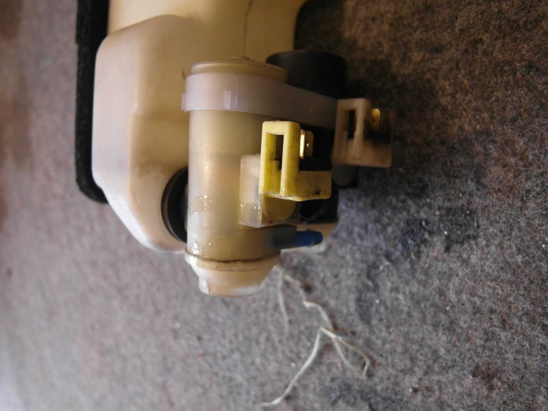 Мотор бачка омывателя Honda Crv RD7 задний