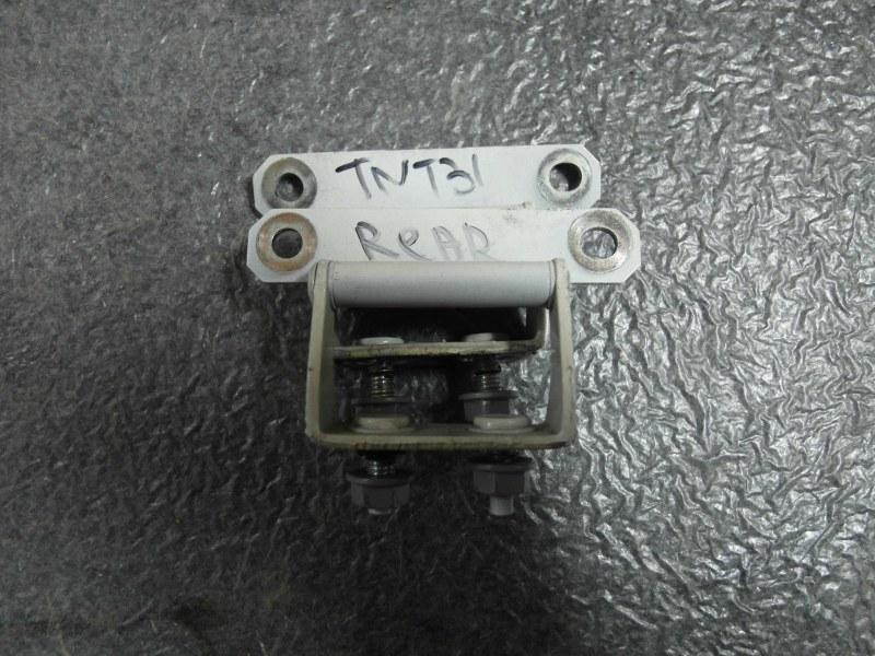 Петля дверная Nissan X-Trail TNT31 QR25DE 2007