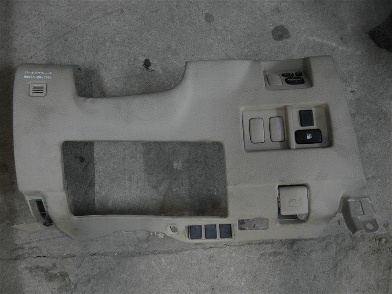 Накладка на торпеду Toyota Harrier MCU35 1MZ-FE 2003