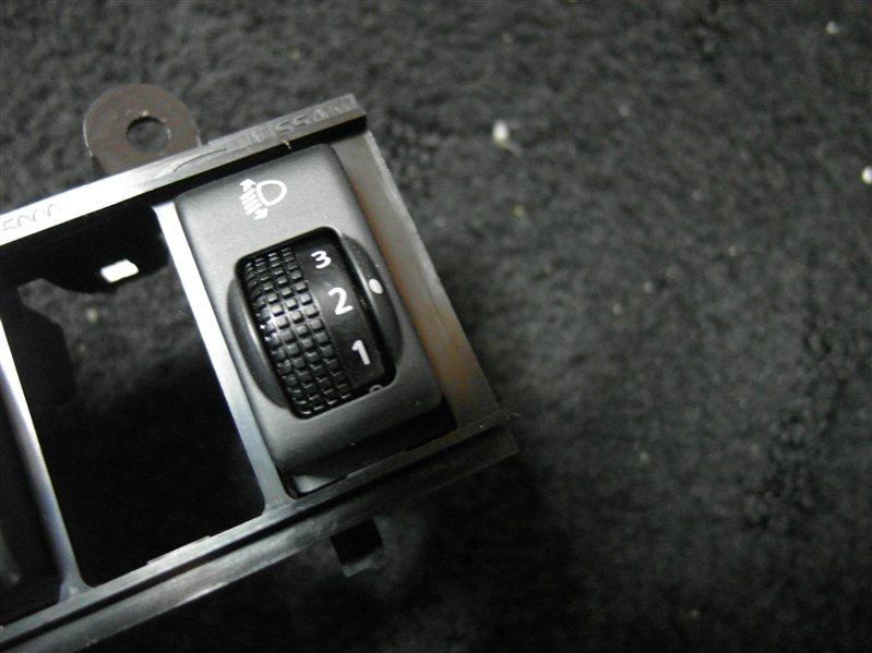 Кнопка Nissan X-Trail TNT31 QR25DE 2007