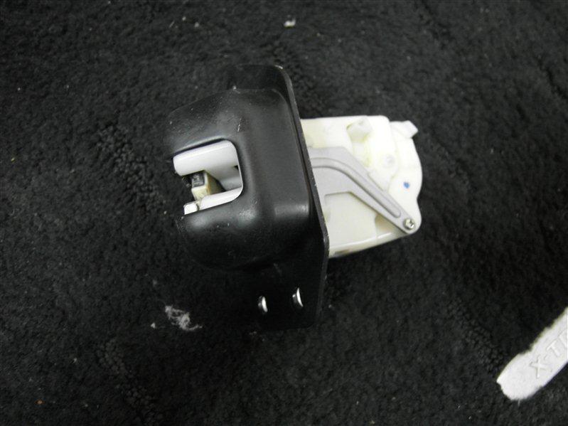 Замок багажника Nissan X-Trail TNT31 QR25DE 2007