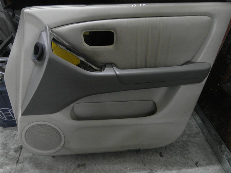 Обшивка двери Toyota Harrier MCU15 1MZ-FE 1998 передняя правая