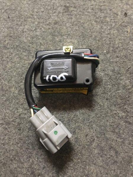 Датчик замедления Toyota Hiace/regiusace KZH106W 1KZ-FE 1995
