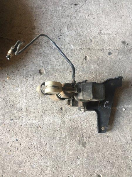Регулятор давления тормозов Toyota Hiace KZH106W 1KZ-FE 1996