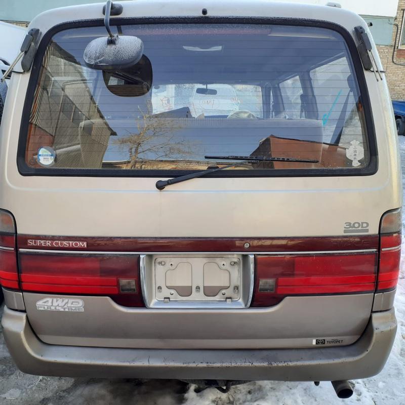 Дверь багажника Toyota Hiace KZH106W 1KZ-TE 1995