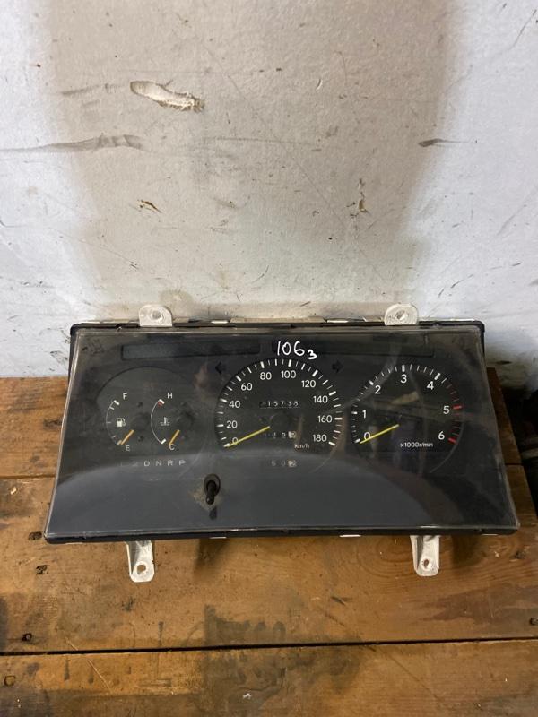 Панель приборов Toyota Hiace KZH106W 1KZ-TE 1995