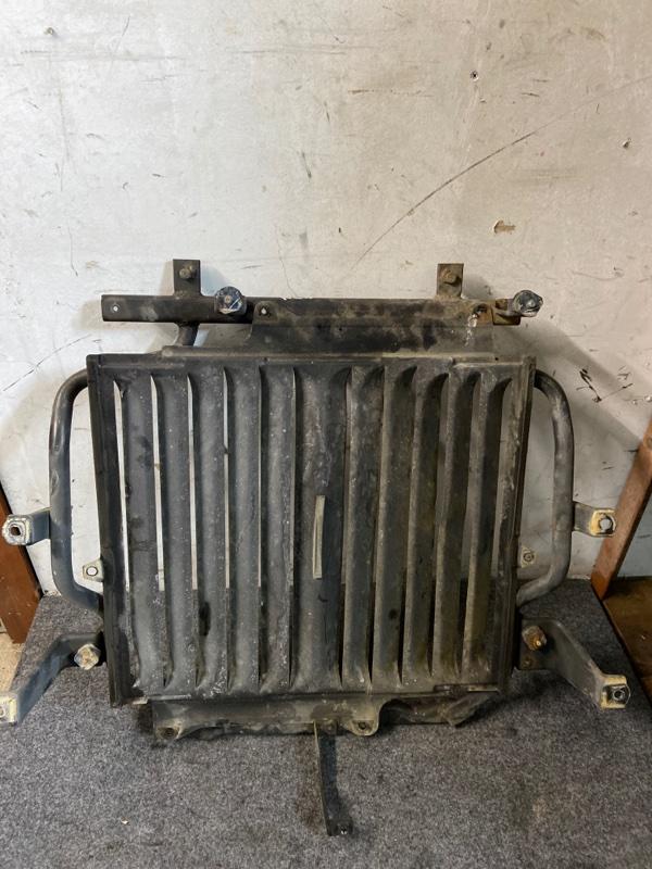 Крепление радиатора Toyota Hiace KZH106W 1KZ-TE 1995