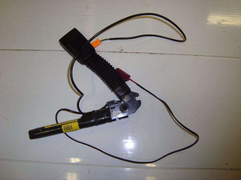 Преднатяжитель ремня безопасности Ford Focus 2 HXDA 2005 передний правый (б/у)