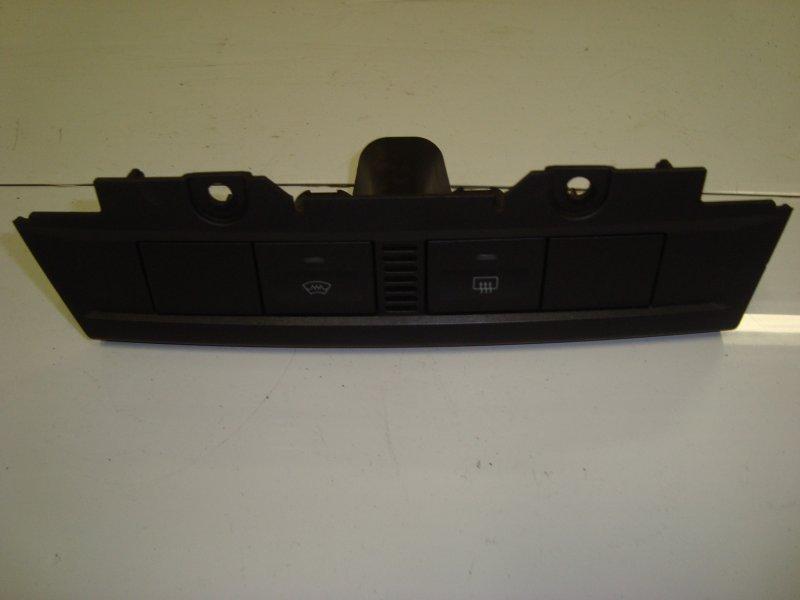 Рамка кнопок обогрева Ford Focus 2 HXDA 2005 (б/у)