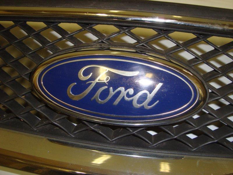 Эмблема Ford Focus 2 HXDA 2005 передняя (б/у)