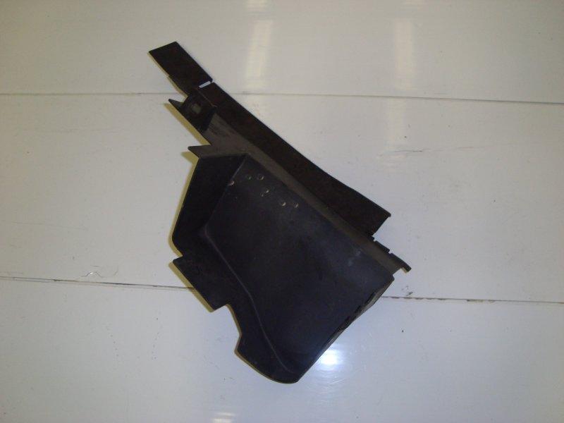 Дефлектор радиатора Ford Focus 2 HXDA 2005 правый (б/у)