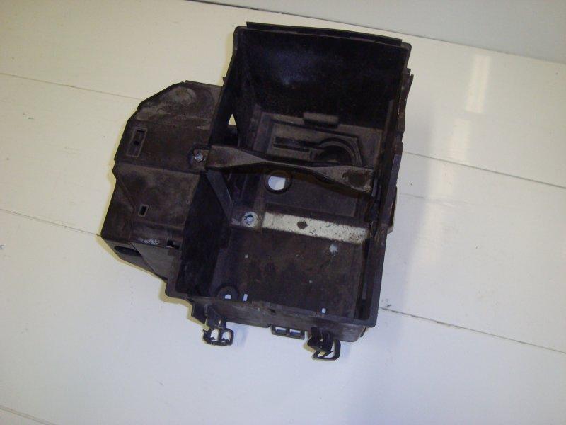 Корпус аккумулятора Ford Focus 2 HXDA 2005 (б/у)