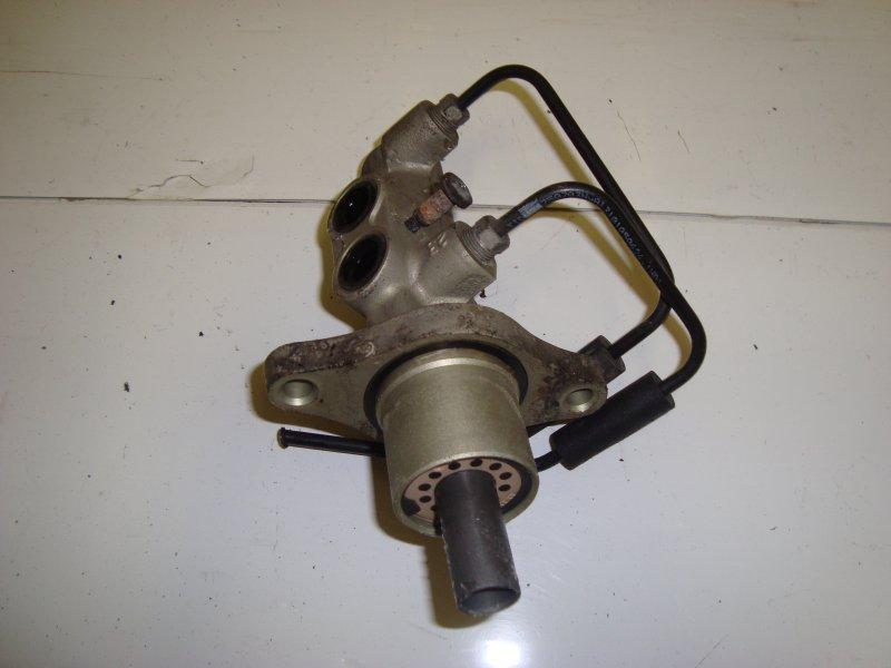 Главный тормозной цилиндр Ford Focus 2 HXDA 2005 (б/у)
