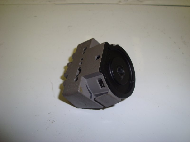 Контактная группа замка зажигания Ford Focus 2 HXDA 2005 (б/у)