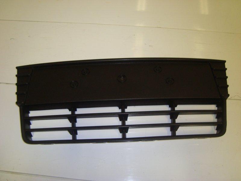 Решетка радиатора Ford Focus 3 CB8 1.6 2013 передняя нижняя