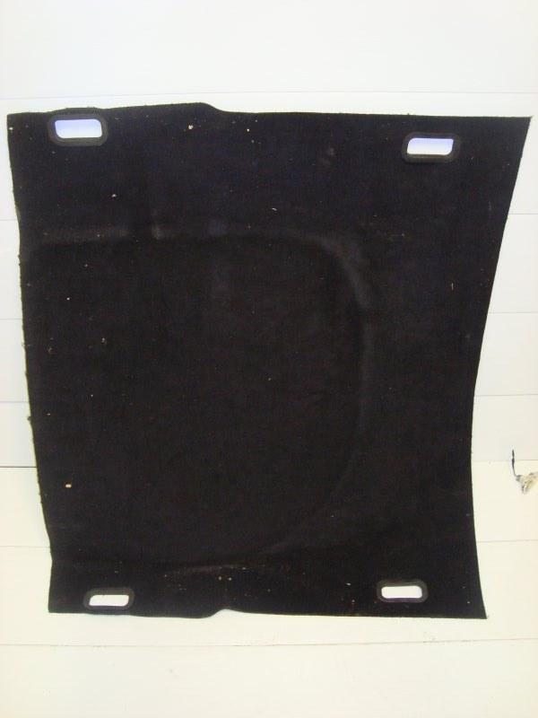 Комплект коврика в багажник под крепление сеткой/стяжками Ford Focus 2 AODA 2007 (б/у)