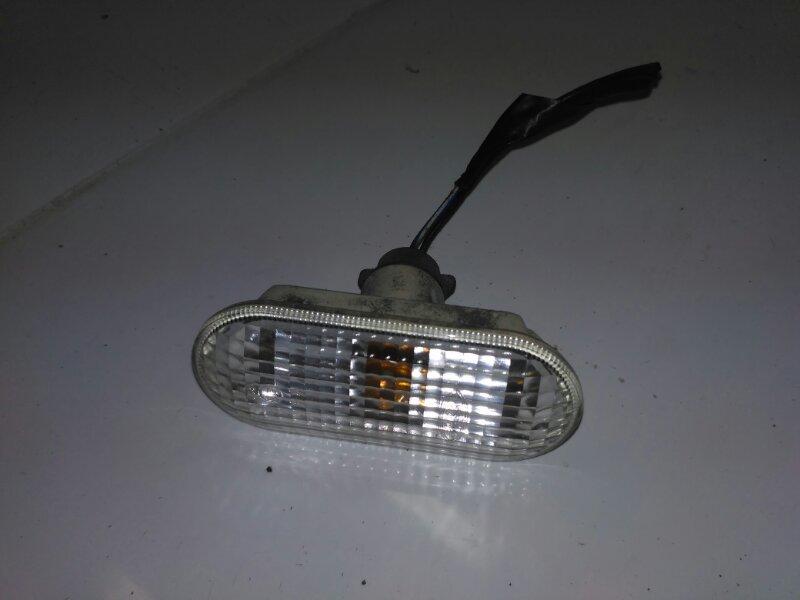 Повторитель поворотника в крыло Ford C-Max AODA 2006 (б/у)
