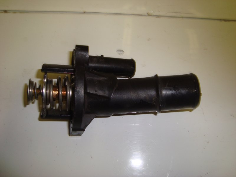 Корпус термостата Ford C-Max AODA 2006 (б/у)