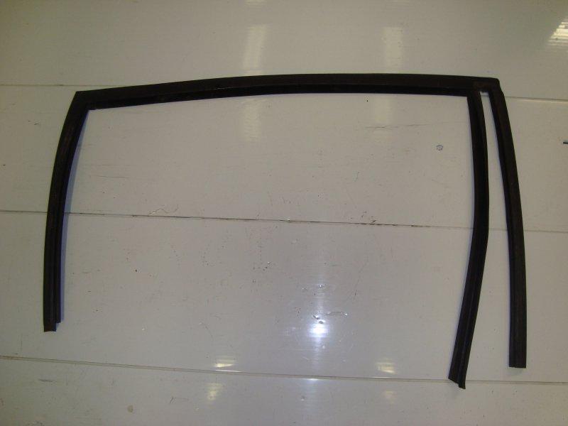 Молдинг двери верхний Ford Fusion DIESEL 2006 задний правый (б/у)