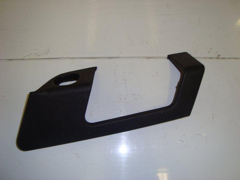 Вставка под кнопку стеклоподъемника Ford Fusion DIESEL 2006 передняя правая (б/у)