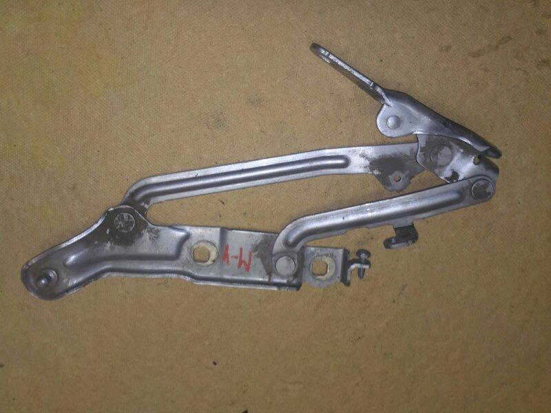 Петля крышки багажника Ford Mondeo 4 BD 2.0 2008 задняя левая (б/у)
