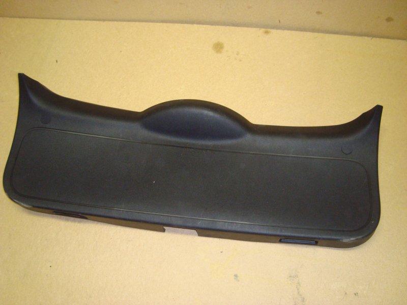 Обшивка крышки багажника Ford Focus 2 CB4 1.8 2008 (б/у)