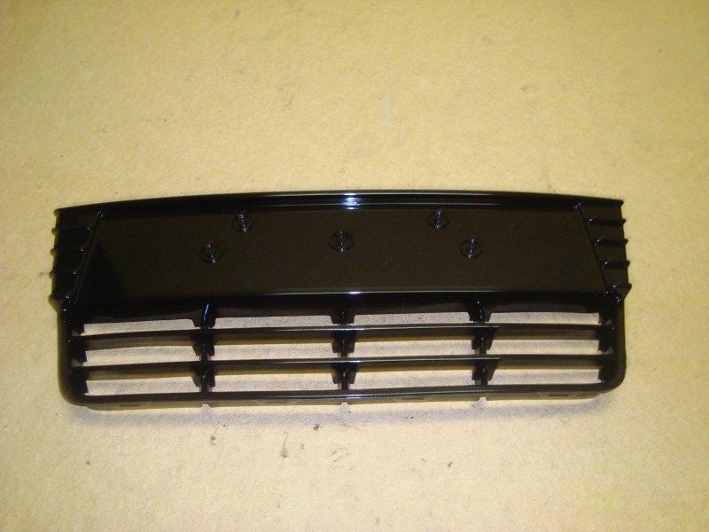 Решетка бампера Ford Focus 3 CB8 1.6 2011 передняя