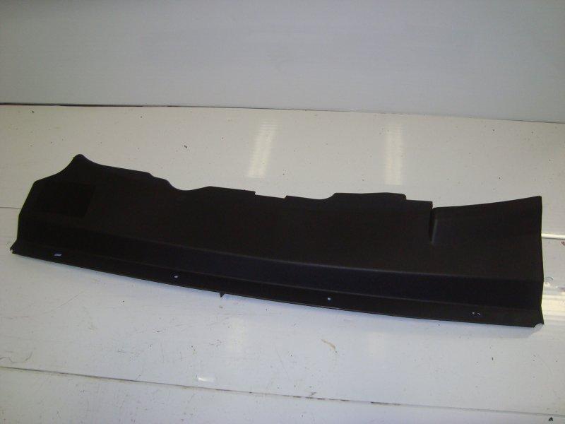 Дефлектор радиатора верхний Ford Focus 2 CB4 1.8 2007