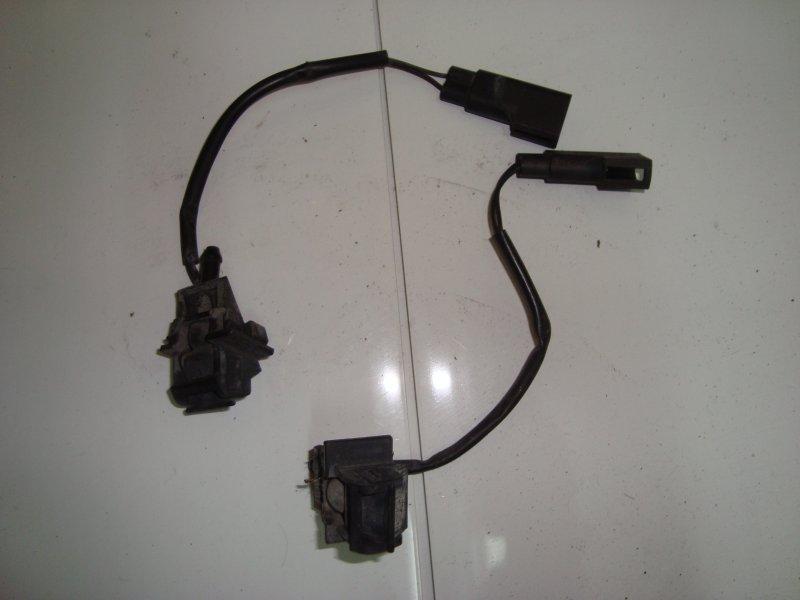 Форсунка омывателя Ford C-Max QQDB 2008