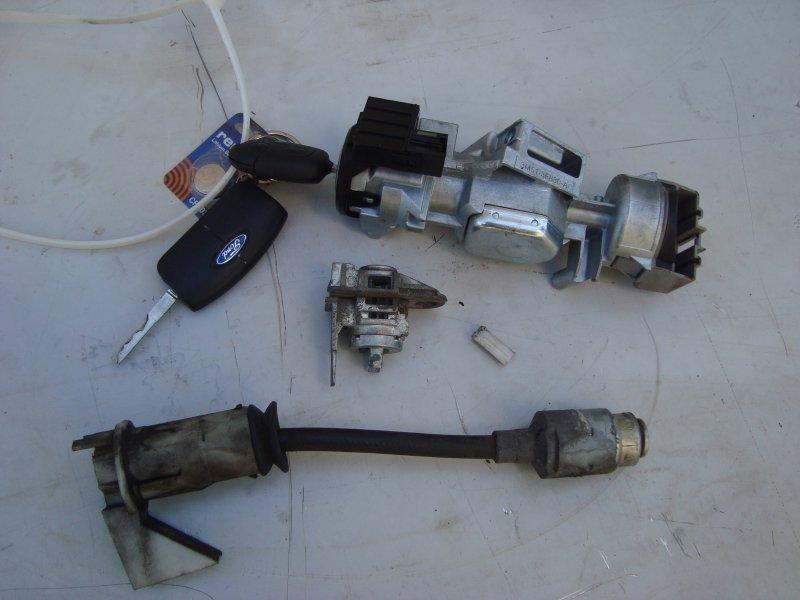 Комплект ключей с личинками Ford Focus 2 HXDA 2007 (б/у)