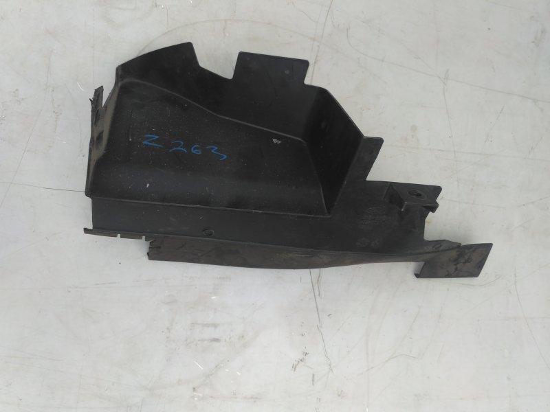 Дефлектор радиатора Ford Focus 2 HXDA 2007 правый (б/у)