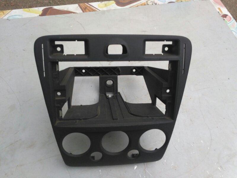 Рамка магнитолы Ford Fusion (б/у)